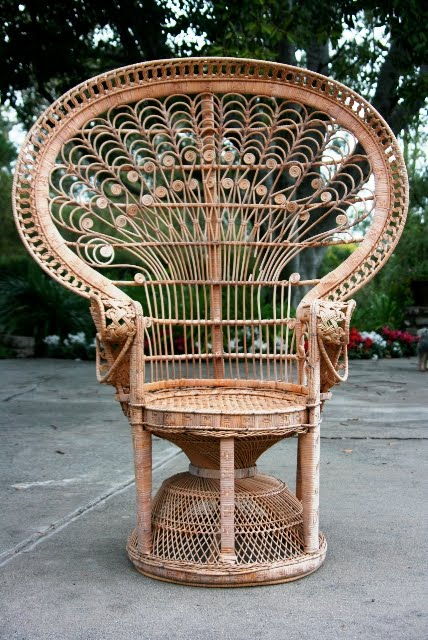 Linda vintage wicker peacock chair natural english england garage sale find yard garden outdoor